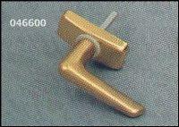 R 300 F3 ablakfélkilincs (6mm-es csappal)