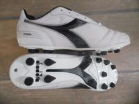 Diadora futballcipő 750 MD PU
