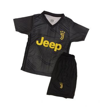 Juventus 2018 19-es váltó mezgarnitúra Ronaldo felirattal ... e9909f9ee0