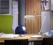 Asztali lámpa LED-es, 50 LED-del, fémes ezüst színű 5 W