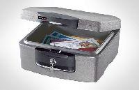 SENTRY H2100 tűz- és vízálló box,30 perc védelem papírra,adathordozókr