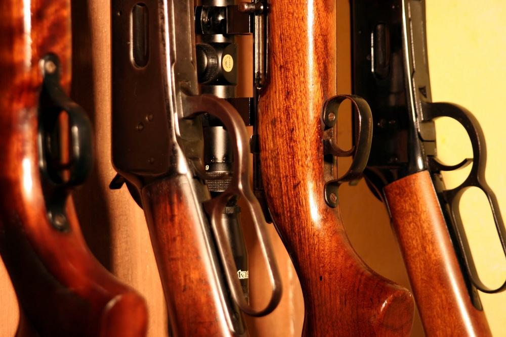 Fegyvertárolók: biztonság és tárolás egy helyen! A fegyvertartás engedélyhez kötött Magyarországon, nem lehet bárkinek saját lőfegyvere hivatalos engedély nélkül. Hivatali és saját lőfegyvert is csak a szabályos körülmények között lehet tárolni munkahelyen, vagy akár magán házban. Erre tervezték és fejlesztették ki a professzionális fegyvertárolókat. Keressen minket bizalommal és vásárolja meg online új fegyvertárolóit webáruházunk kínálatából! Ne bízza a véletlenre és ne vásároljon silány minőséget, hiszen a fegyvertárolás nem játék! Olyan fémszekrényre van szüksége, ami biztonságos, tűzbiztos, illetékteleneket nem enged hozzáférni a fegyverekhez és óv a balesetektől is! Az általunk kínált fegyvertárolók között több, különböző kialakítású és méretű szekrényt is talál, így választhat tárolókat puskákhoz, illetve pisztolyokhoz is. Keressen minket bizalommal megadott elérhetőségeink egyikén, és kérje szakmai tanácsunkat fegyvertárolókkal kapcsolatban is! Ne bízza a véletlenre, hanem használjon színvonalas termékeket a fegyverei tárolásához!