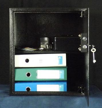 """Basic 50 K bútorszéf kulcsos zárral (MABISZ """"A"""" minősítés)"""