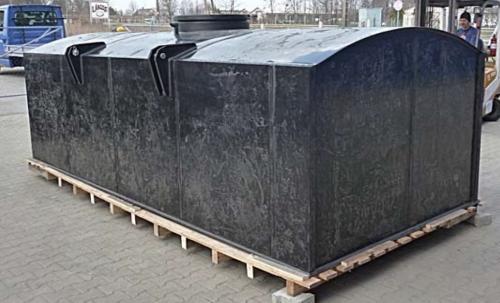 1. 6 m3-es PE. műanyag szögletes szállító tartály