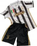 2020/21 Juventus hazai mezgarnitúra Ronaldo felirattal