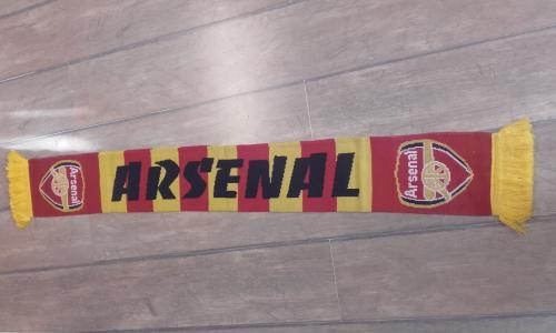 Arsenal kötött sál