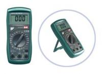 Multiméter 8 különböző villamos mennyiség professzionális mérésére M 9