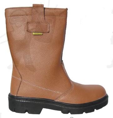 PIEMONTITE (S3) barna színbőr, szőrmebélés, kompozit lábujjvédő, W