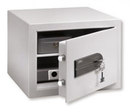 C 1 S duplafalú bútorszéf kulcsos zárral, tűzvédelemmel