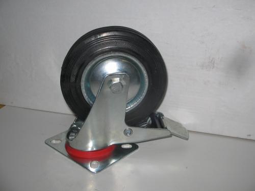 Forgó fékes kerék  fekete gumis 125 mm