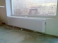 LHZ-Dyamant_34_1600 W, Kerámia betétes, elektromos hőtárolós radiátor,128cm széles, 34cm magas, 34,5kg; manuális termosz