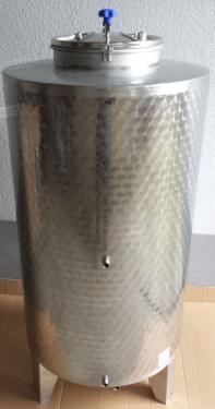 1.1 <> 300 literes zárt, rozsdamentes bortartály / pálinkatartály, csak felső ajtóval