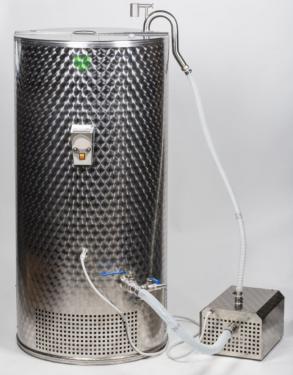 4. ~ 600 literes rozsdamentes acél ecet erjesztő tartály, dupla szivattyúval