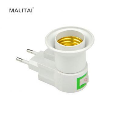 E27 lámpa foglalat dugaszolható kapcsolóval